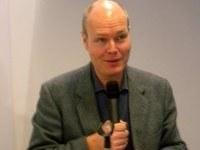 Il prof. John McCourt relatore in Giappone